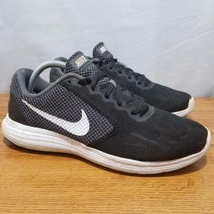 Nike Revolution 3 Shoes